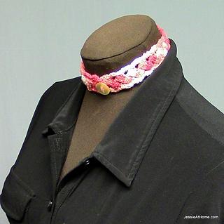 Crochet-puff-stitch-choker-free-pattern_small2