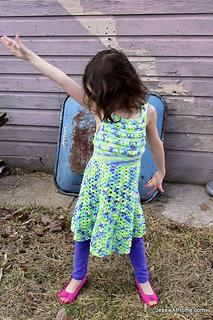 Free-pattern-crochet-puff-stitch-halter-dress_small2