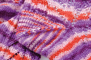 Emmy_s_beaded_sock_detail2_small2