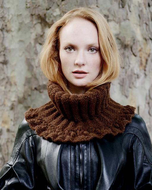 Jerri Cowl by Kari-Helene Rane