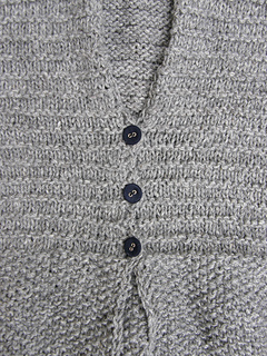 Persephone_cardigan_button_details_small2