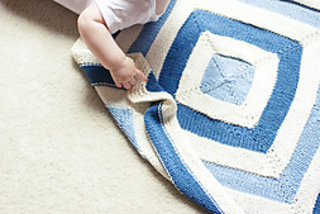 Hopkins_blanket_baby_hand_small2