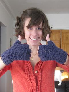 Thumbs-up-crochet-pattern-glove_small2