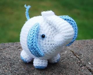 Patron gratuit Amigurumi éléphant au crochet – Les Tricots et ... | 256x320