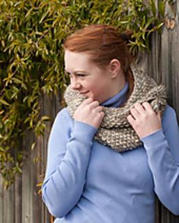 Cindy_cowls_shawl-0192-2_small2
