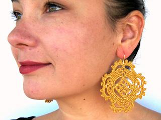 Happy_earrings_small2