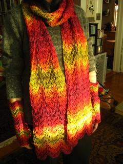 Mlo_nl_queen_scarf_small2
