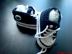 Free Crochet Pattern Newborn Converse : Ravelry: Crochet Baby Converse pattern by Suzanne Resaul