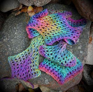 Ldragonscarf_small2