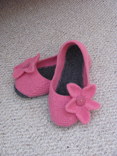 Pink_slippers_004_small2