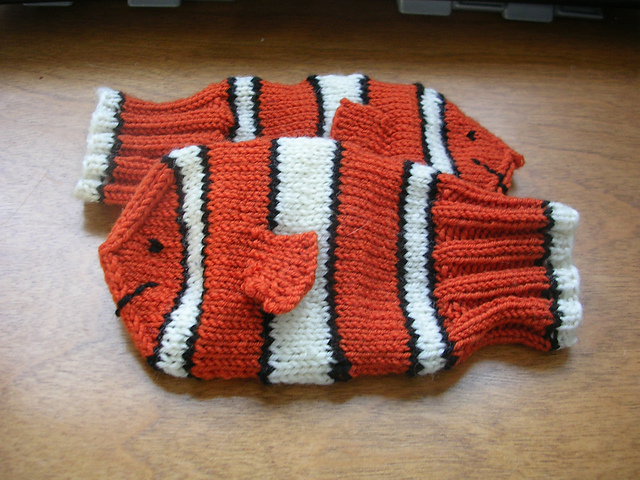 Nemo Mittens by Sigurlaug Eva Stefansdottir