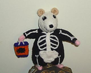 2011-09-13_skeleton_hamster_small2