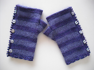 Pretty_striped_mitts_003_small2