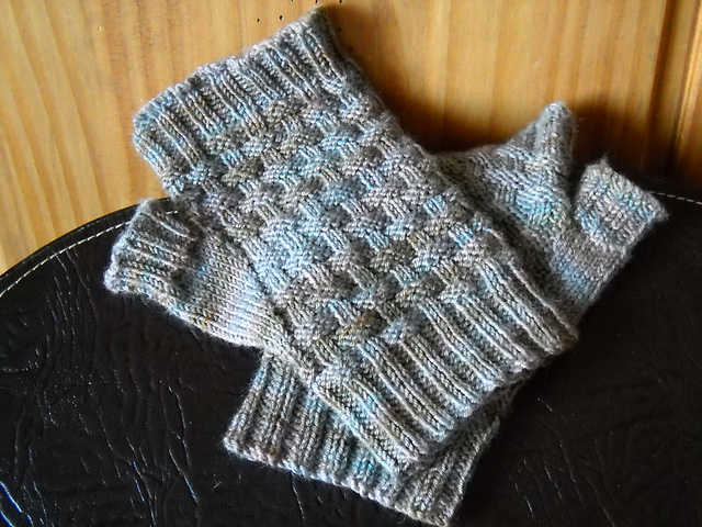 Woven Fingerless Gloves