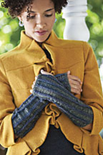 Kn_w10_latvian_braid_mitts_small2