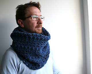 Navy_blue_cowl__123__small2