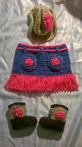 Cowboy_set_pink_flower_skirt_back_medium