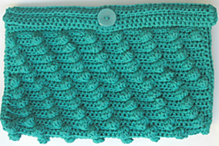 Diagonal_bobbles_clutch_closed_small2