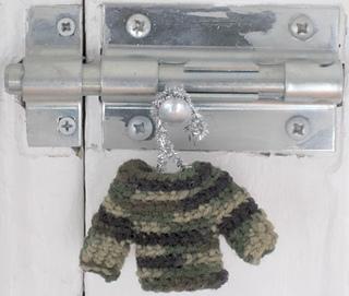 Camo_mini_sweater2_small2