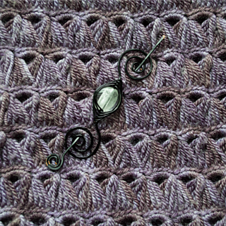 Blog-broomstick-lace-with-shawl-pin_small2