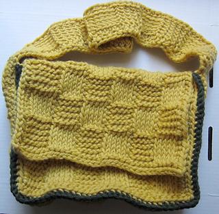 Basketweave_mini_messenger_bag_free_tunisian_crochet_pattern_by_underground_crafter1_small2
