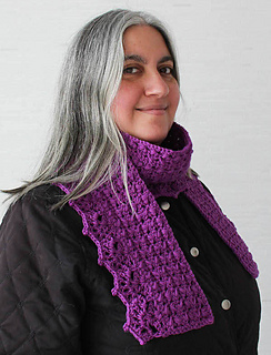 Herringbone_scarf_with_lacy_shells_free_crochet_pattern_by_underground_crafter1_small2