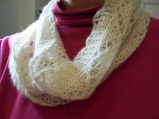 Pattern_leaves_cowl_2_small2