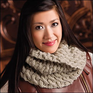 Easy_cabled_cowl_300_small2