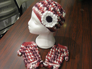 Hats_and_fingerless_gloves_variegated_small2