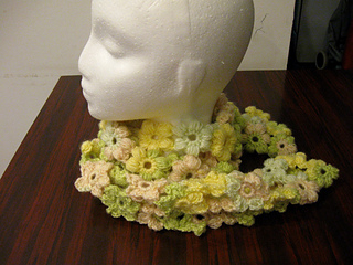 Puff_flower_scarf_-_yellow_and_green_2_small2