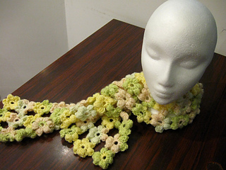 Puff_flower_scarf_-_yellow_and_green_5_small2