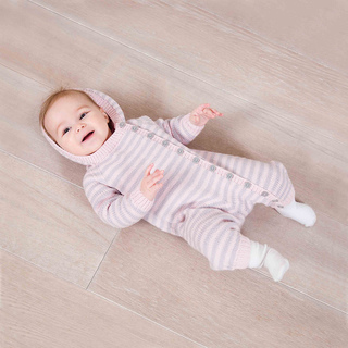 Lova_babygrow_cmyk_mg_1423_low_res_small2