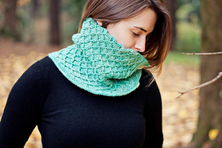 Demeter_cowl_1_small2