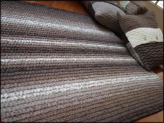 080701_p7010080_rug___cushions_r__small2