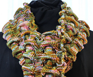 Susan_s_scrunchy_scarf_neck_view_close_up_small2