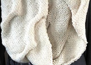 Mogul_scarf_close_up_small2