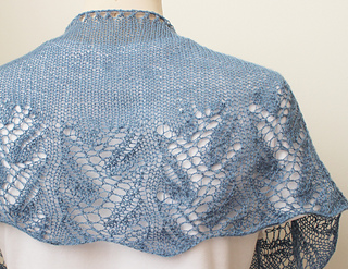 Knitting-shawl-something-blue4_small2