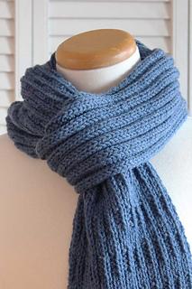 Knitting_pattern_blue_mist_scarf_small2