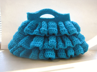 Ruffled_bag_crochet_pattern_small2