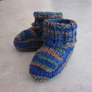 The_no-seam-stay-put_baby_bootie_small2
