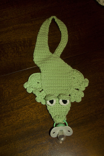 Aligator_binkie_holder_small2