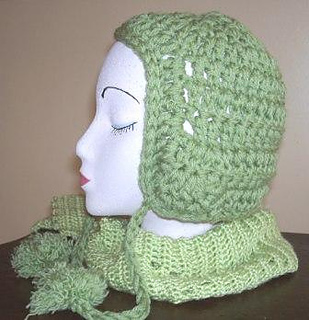 Mindy_hat_with_pom_poms_christmas_2009_3_small2