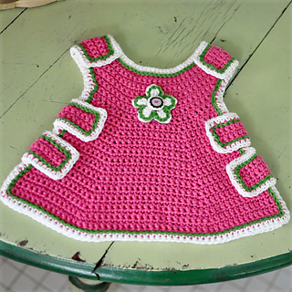 Baby_pinafore_small_small2