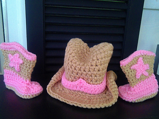 Cowboy_hat_and_booties_pink_and_tan_small2