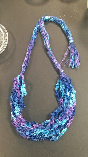 Ladder_yarn_crochet_necklace_medium