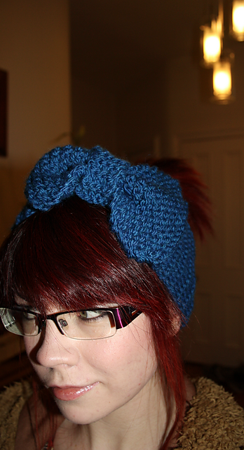 Knitted Bow Headband/Earwarmer @ owlprintpanda.blogspot.co.uk