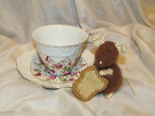 Yardsale_alpaca_mouse_toast_small2