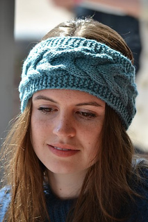 Cabled_headband_for_blog_small2