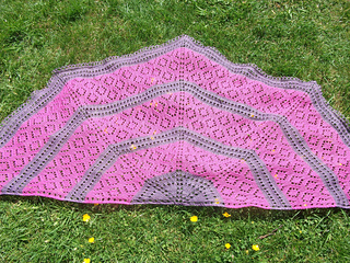 Mermaid_shawl_-_1_small2