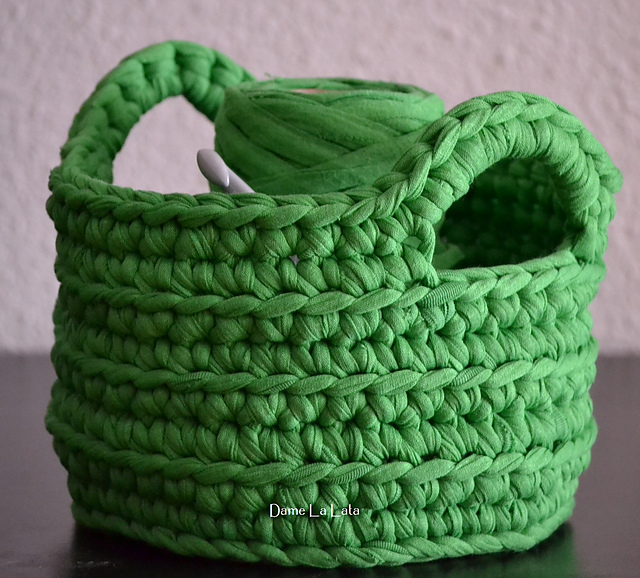 Crochet Stitches Basket : How gorgeous is this green? This was made by Romina from Madrid, Spain ...
